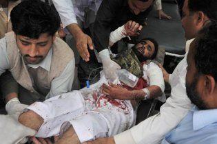 Два терористи-смертники підірвали півсотні віруючих у Пакистані