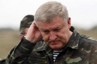 От Азарова досталось и Ежелю: в армии улучшения не наступило