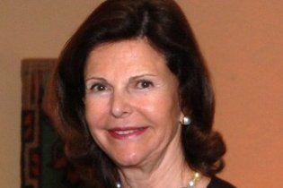 Королева Швеции получила травму, убегая от папарацци