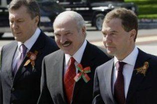 Янукович тягне Україну у Митний союз за формулою 3+1