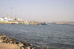 Из Ливии вышел первый танкер с повстанческой нефтью