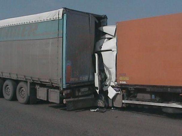 На Одещині водій фури заснув за кермом: є загиблі