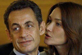 Саркозі пригрозив натовкти пику журналісту, який образив його дружину