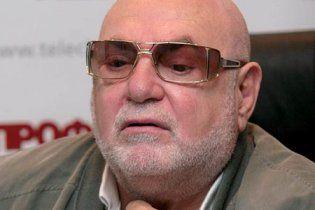 Табачник объяснил, что в Партии регионов он один считает журналистов холуями
