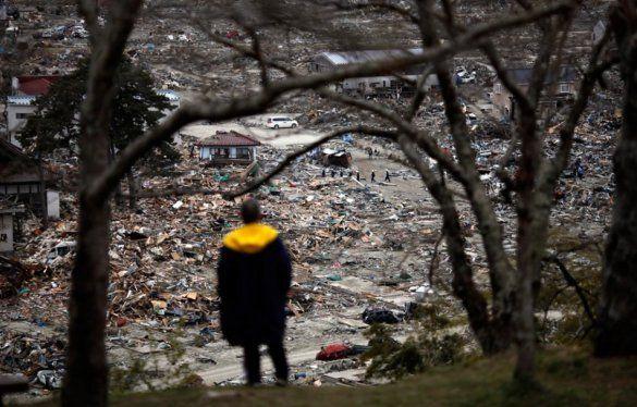 Місяць з дня руйнівного землетрусу в Японії_1