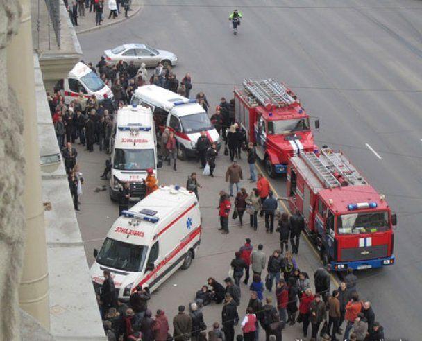 Лукашенко спустился на разрушенную взрывом станцию метро