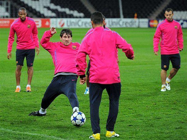 """""""Барселона"""" у рожевому готується до гри з """"Шахтарем"""""""