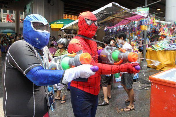 У Бангкоку 3,5 тисячі осіб влаштували перестрілку водяними пістолетами