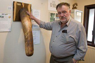95-річний хвалько подарував свій член Музею пенісів