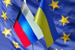 Росія попередила Україну про наслідки дружби з Європою: не можна всидіти на двох стільцях