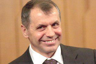 Кримський спікер має п'ять шикарних автомобілів і отримує матеріальну допомогу