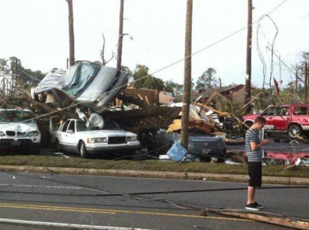 Кількість жертв торнадо в США сягнула 44 людей