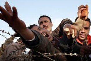Италия выслала назад в Тунис сотни иммигрантов