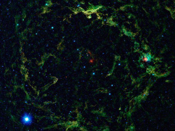NASA опубликовало тысячи уникальных фото неизвестных звезд, астероидов и комет