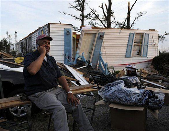 Наслідки руйнівних торнадо на півдні США_23