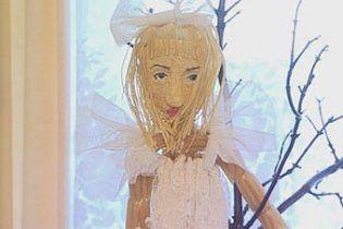 Российский школьник слепил фигуру Lady GaGa из макарон
