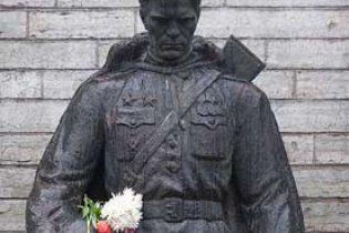 Рада Європи визнала провину Естонії у розгоні захисників Бронзового солдата
