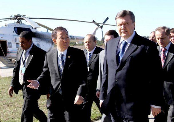 Янукович и генсек ООН посетили Чернобыльскую АЭС