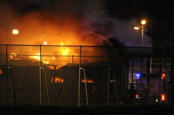 В Австралії вихідці з Іраку і Афганістану спалили міграційний центр
