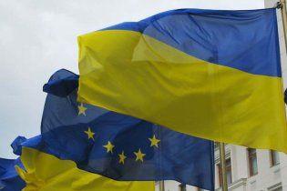 Расмуссен запросив Януковича до НАТО