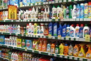 В Україні можуть заборонити майже всі миючі засоби