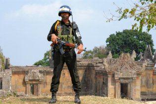 На кордоні Таїланду і Камбоджі поновилися бої за стародавній храм