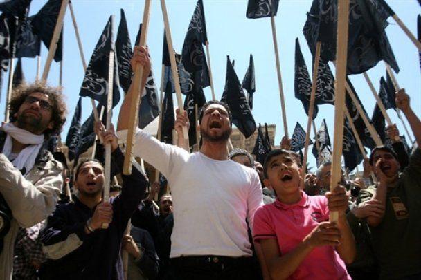 """В """"кровавую пятницу"""" в Сирии погибло около 100 человек"""