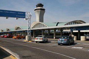 Торнадо пошкодив аеропорт у США і поранив кількох американців