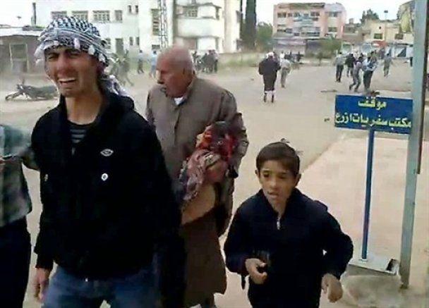 """В Сирии полиция расстреляла похороны жертв """"кровавой пятницы"""""""