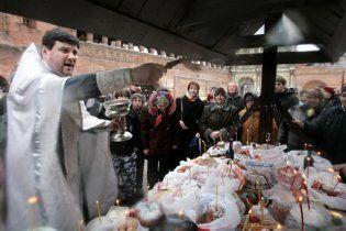 Украинский священник попросил запретить торговать по воскресеньям