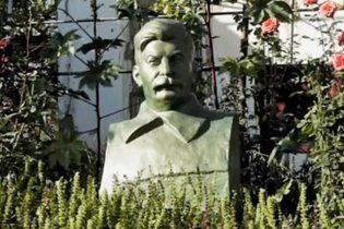 В Узбекистані знесли останній пам'ятник Сталіну