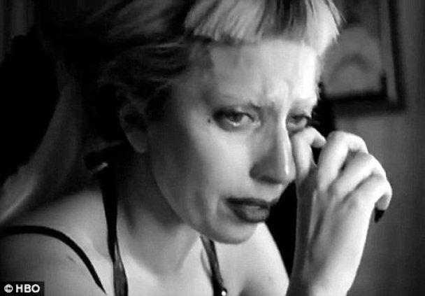 Lady GaGa разрыдалась во время телесъемки