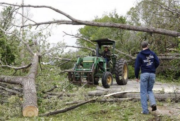 На базу ВПС США в Арканзасі обрушився торнадо