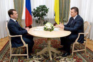 Янукович поделился с Медведевым тревогами