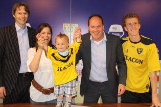 Голландський футбольний клуб підписав контракт з півторарічною дитиною