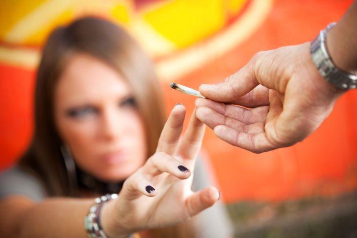 Подросток и наркотики: как распознать проблему