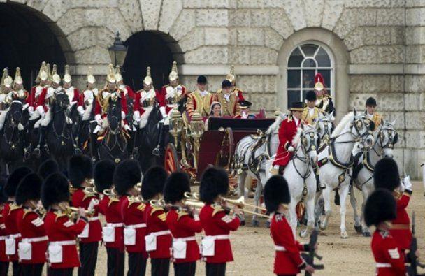 Принц Уїльям і Кейт Міддлтон відклали свою весільну подорож