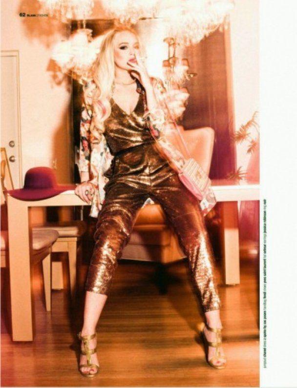 Ліндсей Лохан вхопила себе за груди для Blank Magazine
