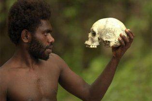 Священник из Днепропетровска решил пожить с каннибалами в Папуа-Новой Гвинее