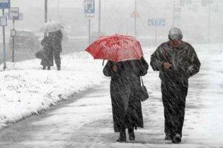 У четвер майже по всій Україні випаде мокрий сніг