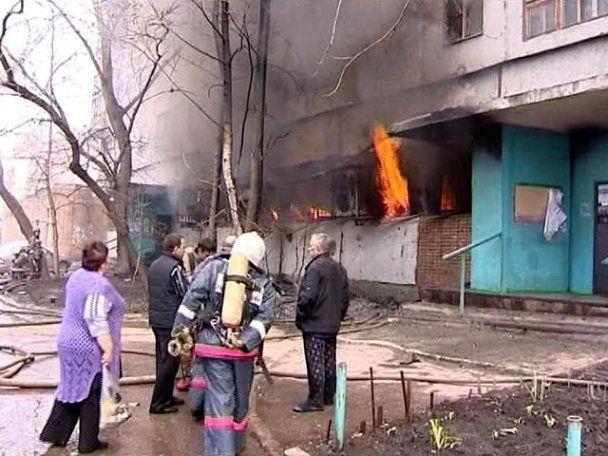 Страшна пожежа в Росії: жінки гинули у вогні, а натовп знімав на мобільні (відео)