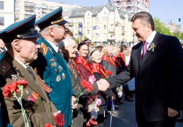 Віктор Янукович вшанував загиблих у Великій Вітчизняній війні