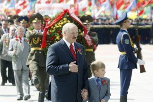 Лукашенко заборонив флешмоби як небезпечні для білорусів