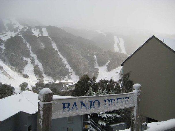 Схід Австралії накрили сильні снігопади