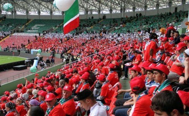 Кадыров разгромил в Чечне звезд мирового футбола (видео)