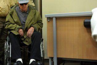 Дем'янюка перевели в будинок для людей похилого віку