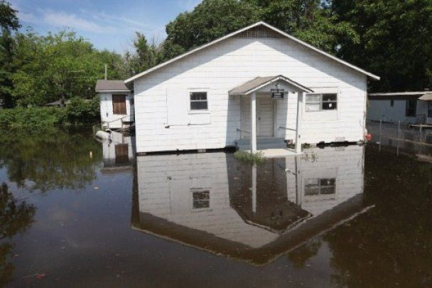 Повінь на річці Міссісіпі поширюється на південь