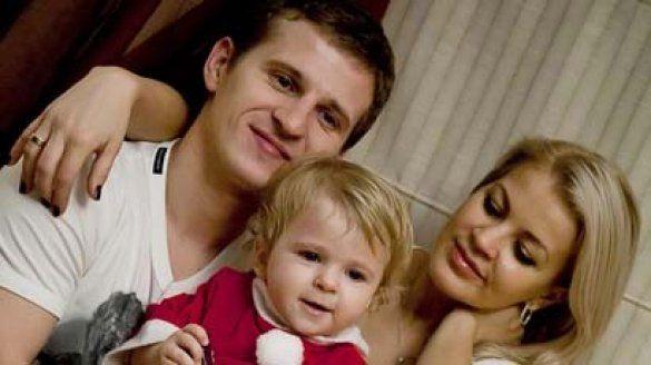 Олександр Алієв з дружиною і донькою