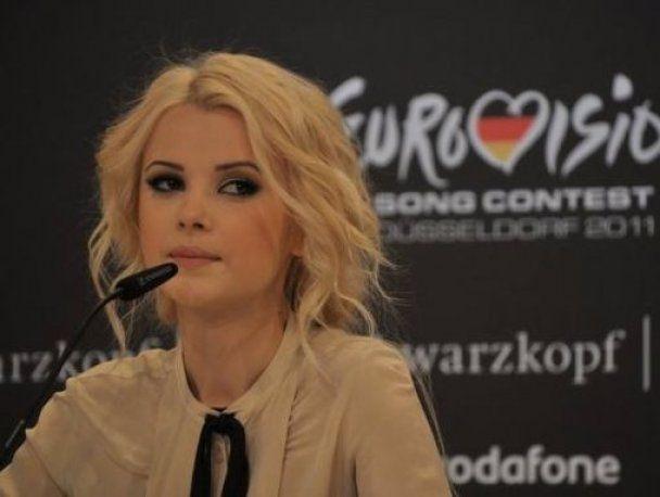 """""""Евровидение-2011"""": Мика Ньютон спела ангельски"""