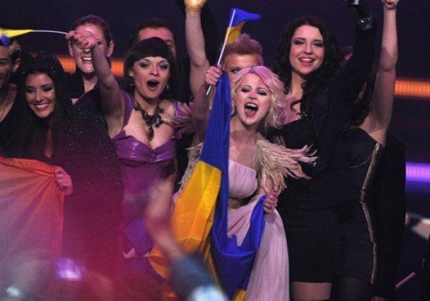 """""""Ангельское"""" выступление Мики Ньютон на """"Евровидении-2011"""""""